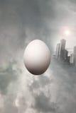 Huevo surrealista Fotos de archivo libres de regalías
