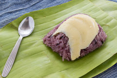 Huevo tailandés de las natillas con arroz cocido al vapor dulce Imagen de archivo libre de regalías