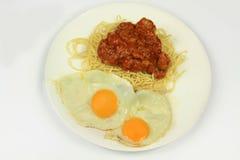 Huevo y espaguetis Foto de archivo