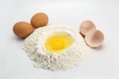 Huevo y harina Imagen de archivo libre de regalías