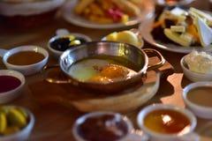 Huevo y queso turcos del desayuno Imagen de archivo libre de regalías