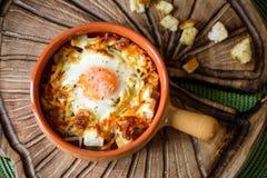 Huevos cocidos con las verduras y las galletas Imágenes de archivo libres de regalías