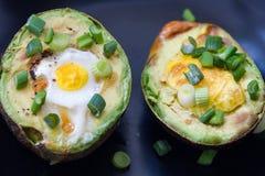 Huevos cocidos en aguacate Imagen de archivo