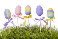 Huevos coloreados pastel de Pascua Imagenes de archivo