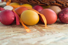 Huevos coloridos de Pascua Imagenes de archivo