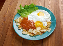 Huevos con chilaquiles Royalty Free Stock Photos