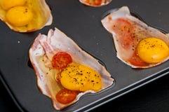 Huevos con el jamón como bocado de la Navidad Imagenes de archivo
