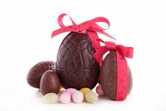Huevos de chocolate de Pascua Imágenes de archivo libres de regalías