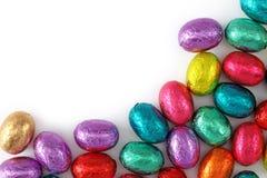 Huevos de chocolate en hoja Foto de archivo libre de regalías