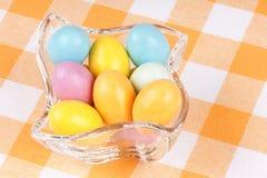 Huevos de chocolate revestidos del azúcar duro Imagenes de archivo
