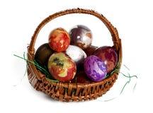 Huevos de Eeaster en cestas Fotos de archivo