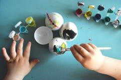 Huevos de la pintura imágenes de archivo libres de regalías