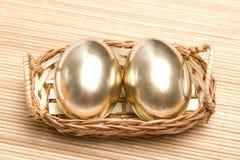 Huevos de oro de Pascua Foto de archivo libre de regalías