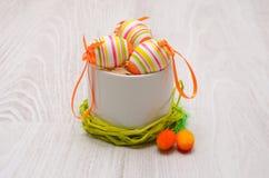 Huevos de Pascua adornados coloridos Foto de archivo libre de regalías