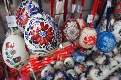 Huevos de Pascua adornados Folclore Handcrafted/ imagenes de archivo
