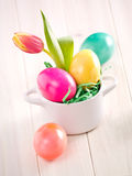 Huevos de Pascua coloreados Fotos de archivo