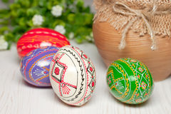 Huevos de Pascua coloreados Imágenes de archivo libres de regalías