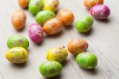 Huevos de Pascua coloreados Imagenes de archivo