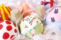 Huevos de Pascua coloridos, cerrados para arriba de los huevos de DIY Pascua fotos de archivo libres de regalías