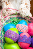 Huevos de Pascua con el conejito Fotografía de archivo