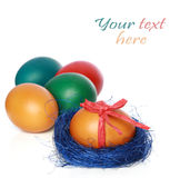 Huevos de Pascua del color imágenes de archivo libres de regalías