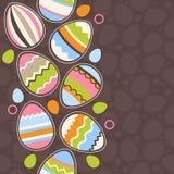 Huevos de Pascua del wirh de la tarjeta de felicitación Foto de archivo