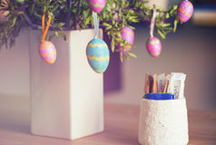 Huevos de Pascua en árbol Foto de archivo