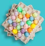 Huevos de Pascua en azul claro Foto de archivo