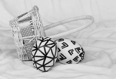Huevos de Pascua en blanco y negro Fotos de archivo libres de regalías