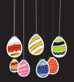 Huevos de Pascua en cuerda Imágenes de archivo libres de regalías