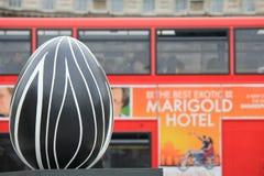 Huevos de Pascua en el centro de ciudad de Londres - abstracción Foto de archivo libre de regalías