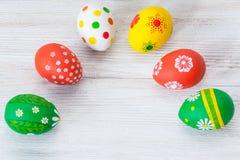 Huevos de Pascua en el fondo blanco foto de archivo libre de regalías