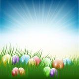 Huevos de Pascua en hierba Foto de archivo libre de regalías
