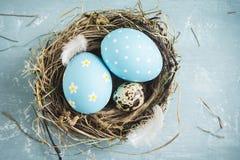 Huevos de Pascua en jerarquía Fotografía de archivo libre de regalías