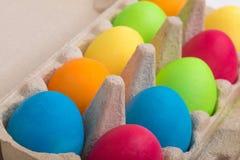 Huevos de Pascua en una caja Imagen de archivo