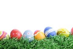 Huevos de Pascua en una fila Foto de archivo