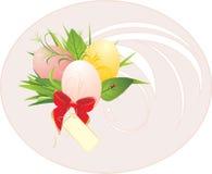 Huevos de Pascua, follaje y arqueamiento rojo con la tarjeta stock de ilustración
