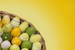 Huevos de Pascua moteados Imágenes de archivo libres de regalías