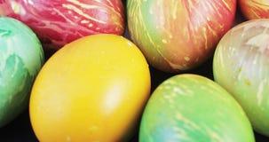 Huevos de Pascua multicolores metrajes