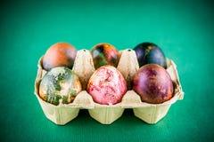 Huevos de Pascua pintados coloridos Imagen de archivo libre de regalías