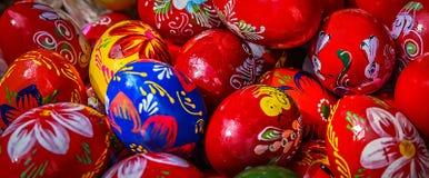 Huevos de Pascua pintados tradicionales Fotos de archivo