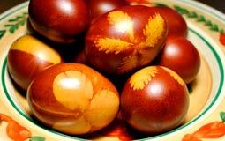 Huevos de Pascua tradicionalmente pintados Fotografía de archivo