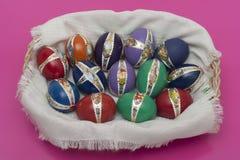 Huevos del éster con la decoración nueva Imagen de archivo libre de regalías
