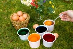 Huevos del colorante Foto de archivo libre de regalías