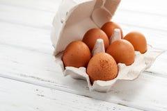 Huevos en bandeja Foto de archivo
