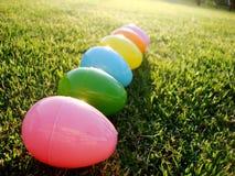 Huevos en el césped Fotografía de archivo