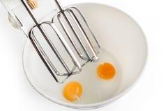 Huevos en el mezclador imagen de archivo libre de regalías