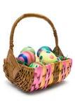 Huevos en la cesta de Pascua foto de archivo libre de regalías