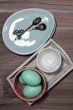 Huevos en una placa Imagen de archivo libre de regalías