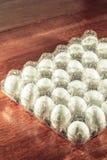 Huevos en una tabla fotografía de archivo